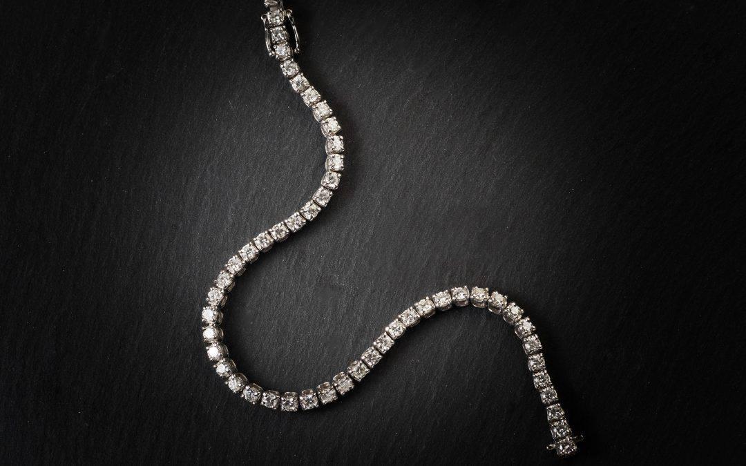 """Bracciale in oro bianco 18kt con diamanti """"Tennis"""""""