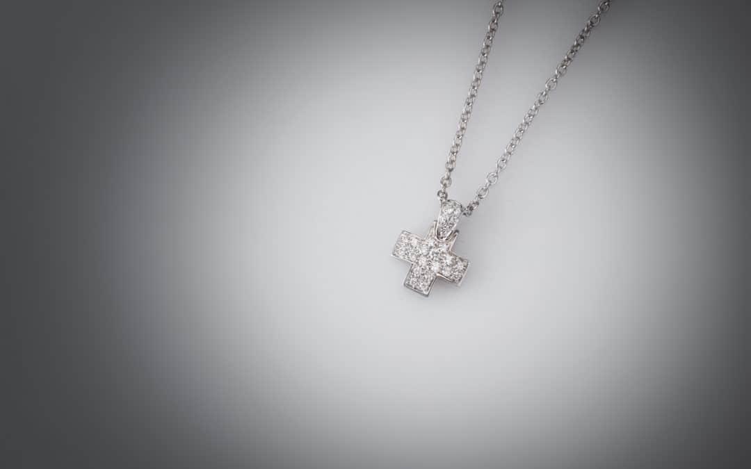 """Catena e ciondolo con diamanti firmato """"Pomellato"""""""
